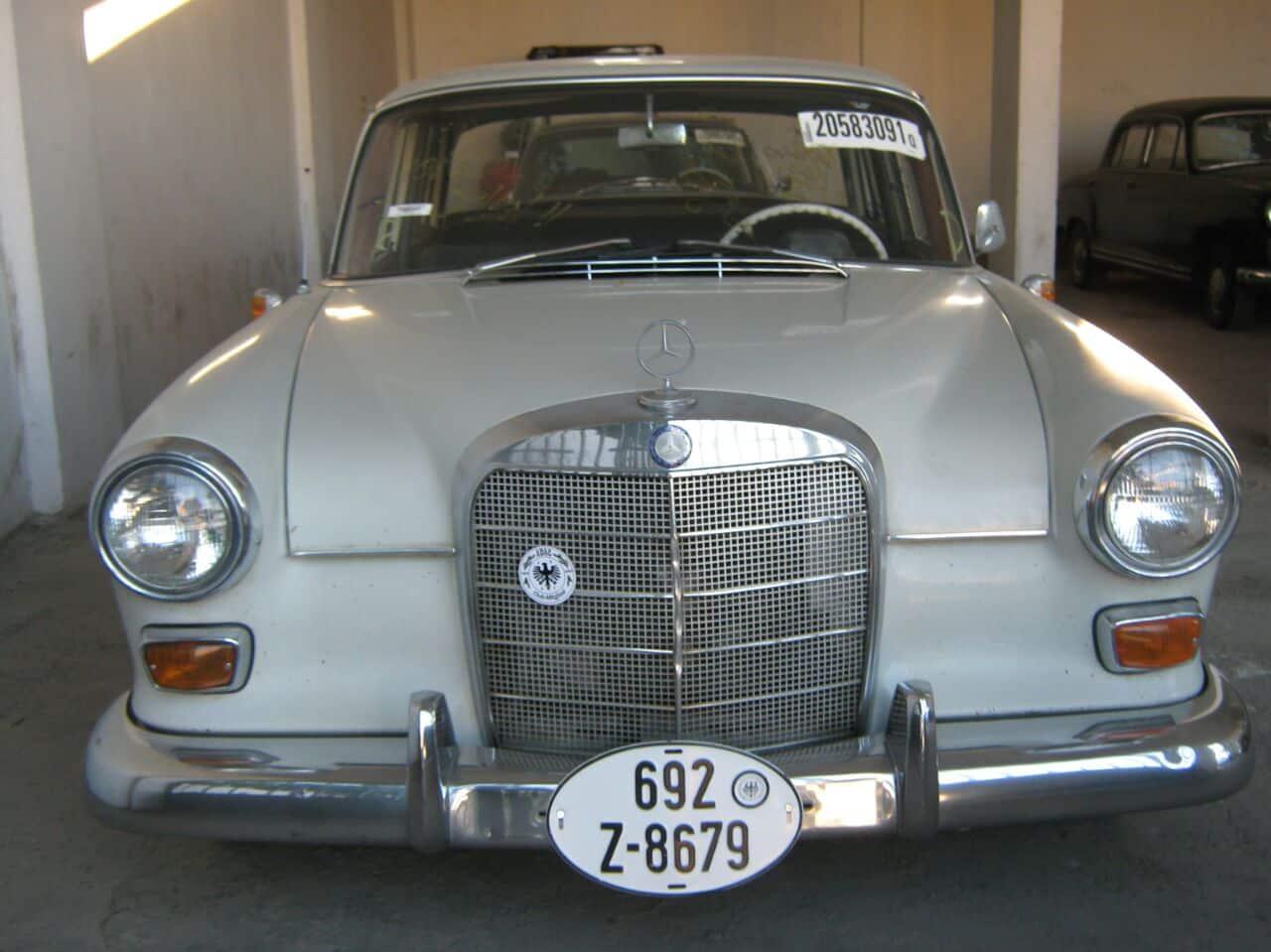 190 Mercedes Classic