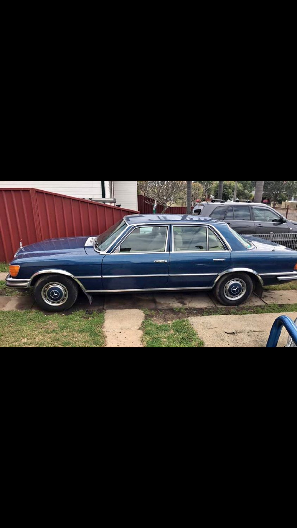 450se mercedes 1976 v8kms172 Excellent condition mechanically a 1 call me for 0456575657 Prize not negotiable