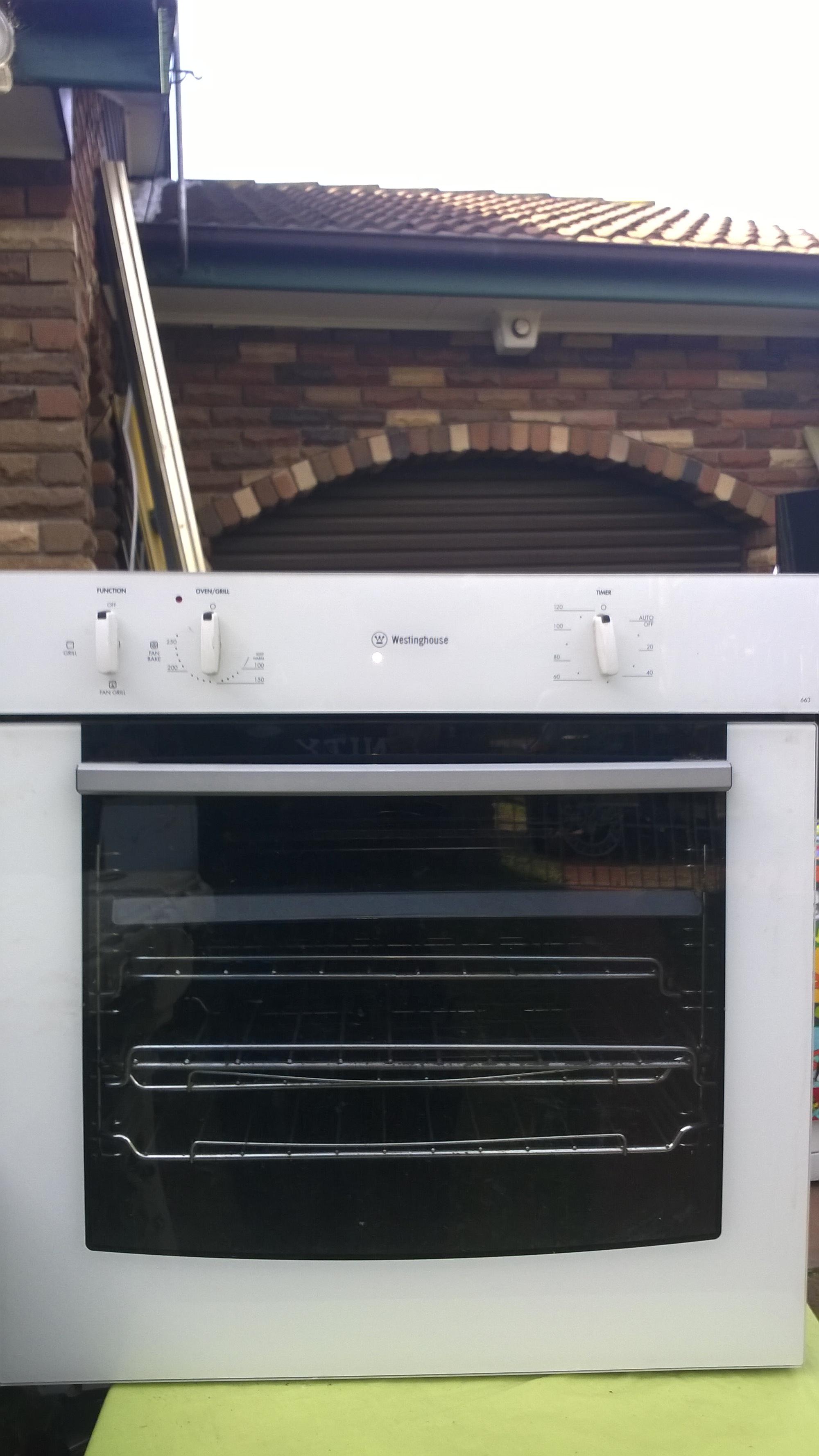 Westinghouse Fan Forced Oven Mod: POR653W – EXCELLENT