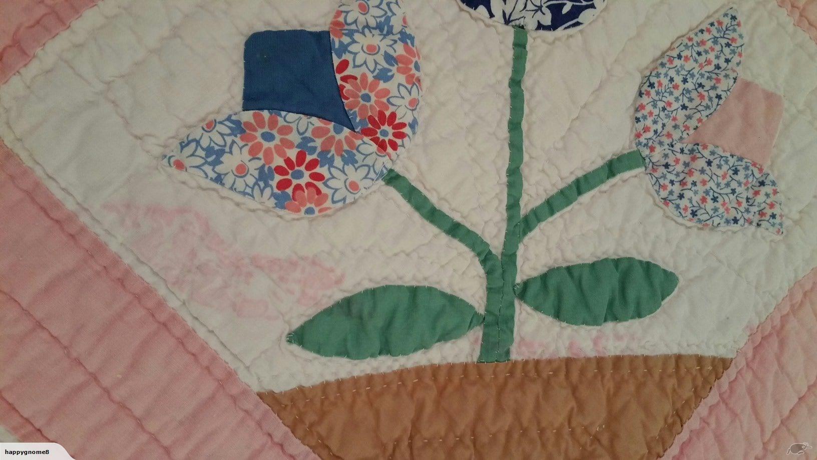 Vintage 40s Tulip Quilt