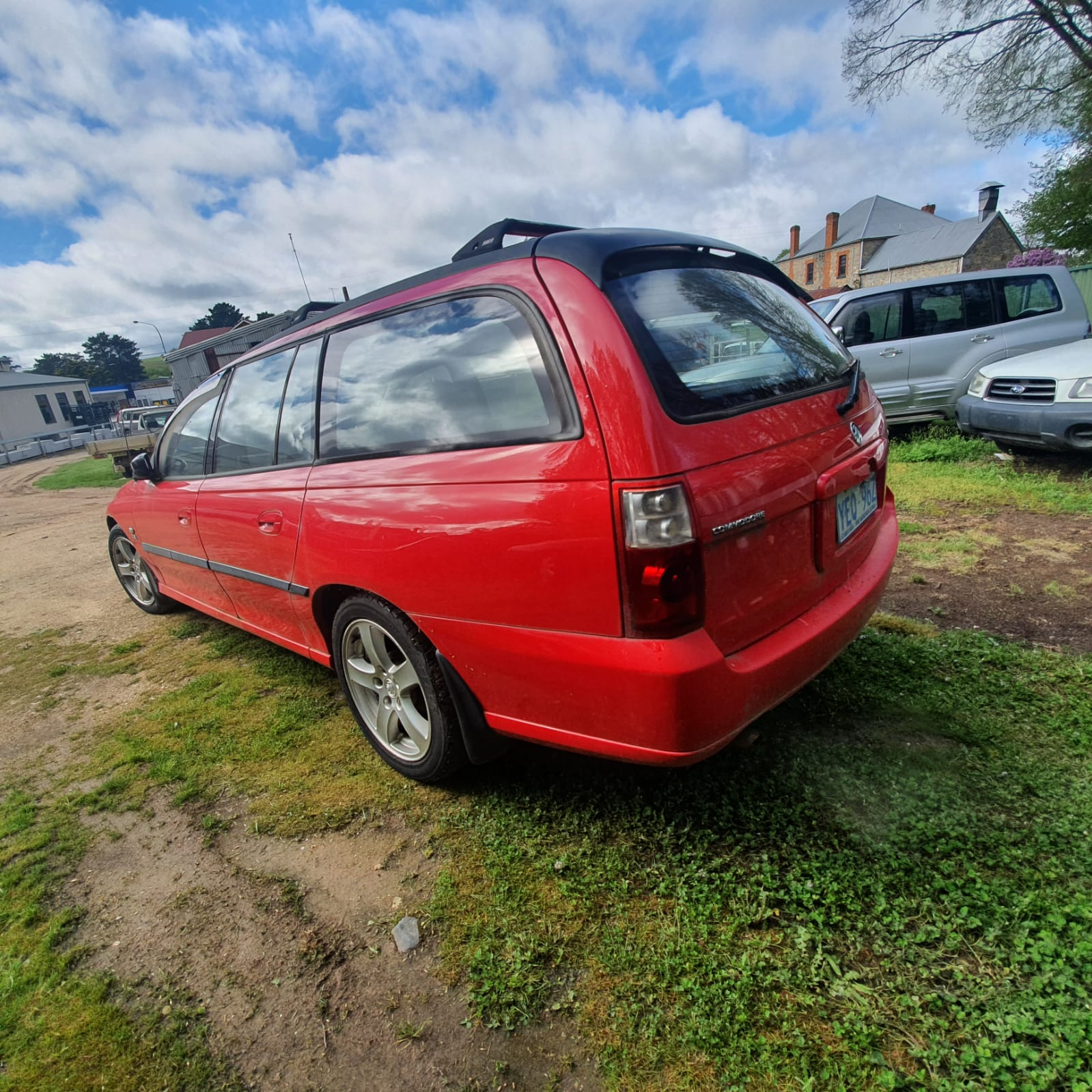 Vz2005 WRECKING All parts available Kingswood Autos WRECKERS