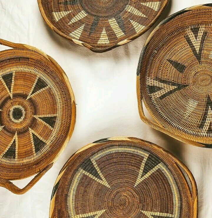 PNG Traditional Basket / Trays / Place Mats